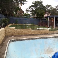 pool side retaining wall