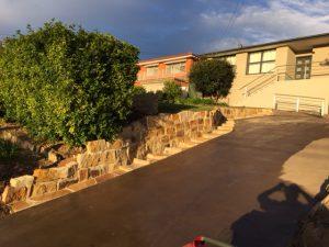 retaining wall for gardening